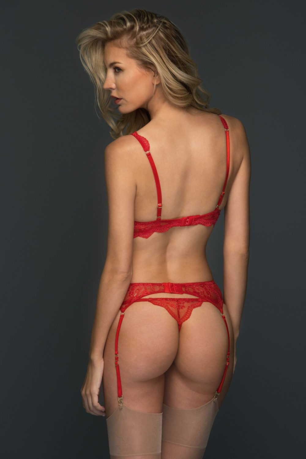 Alexandra red back_preview
